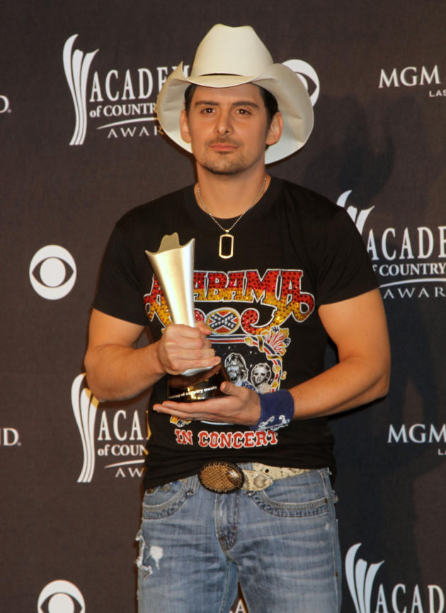 brad paisley to judge american idol season 12
