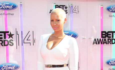 Amber Rose to Reveal Kanye West Love Child in New Memoir?!