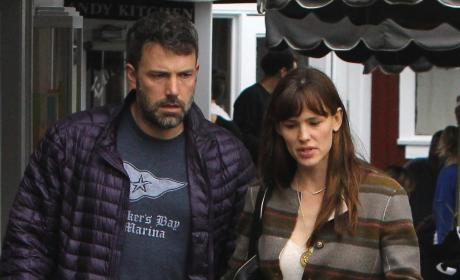Ben Affleck & Jennifer Garner: Spending Christmas Together?!
