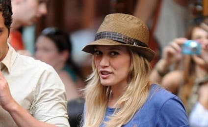 Hilary Duff Makes First Trip to Gossip Girl Set