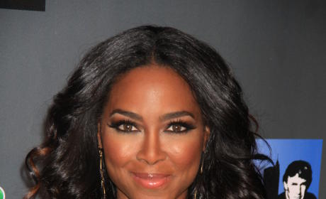Kenya Moore: Dating Married Man... AGAIN?!?