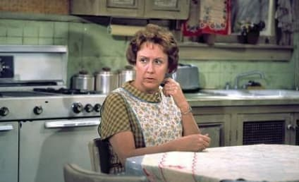 Jean Stapleton Dies, All in the Family Actress Was 90