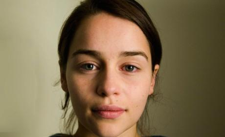 Emilia Clarke No Makeup: Still Beautiful!