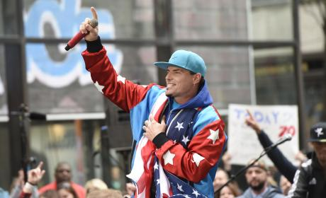 Vanilla Ice Performs On Today