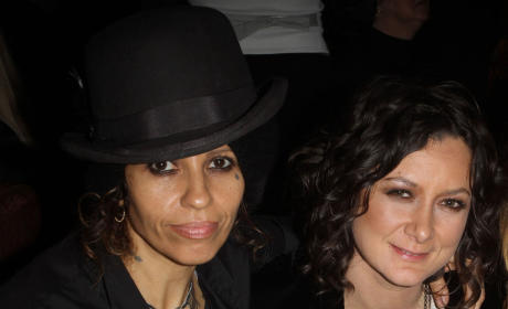 Sara Gilbert and Linda Perry: Dating!