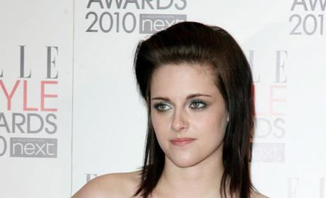 Kristen Stewart Praises Robert Pattinson in Remember Me