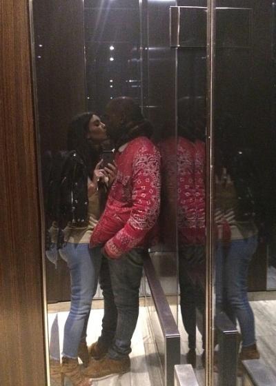 Elevator Kiss!