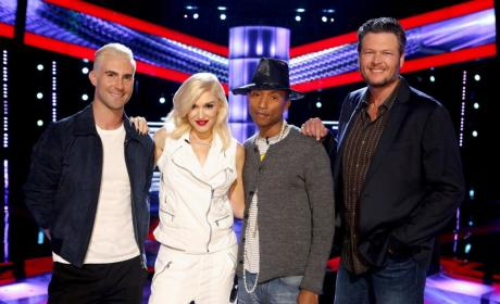Blake Shelton & Gwen Stefani: Hooking Up on The Voice Set?!