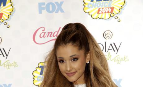 Ariana Grande at the 2014 Teen Choice Awards