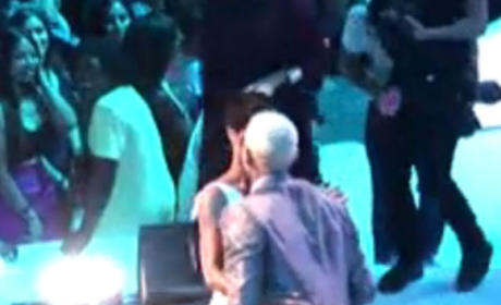 Rihanna and Chris Kiss
