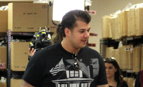 Rob Kardashian's Aunt Blames Family For His Depression: Who Cares If He's a Little Overweight?!