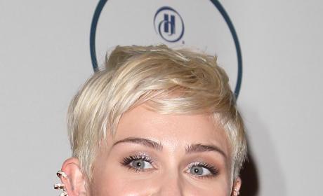 Miley Cyrus, Pre-Grammys