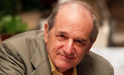 Steven Hill Dies; Law & Order Star Was 94