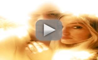 Ashlee Simpson: ENGAGED!