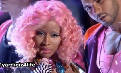 "Nicki Minaj Performs ""Super Bass"" at Victoria's Secret Fashion Show"