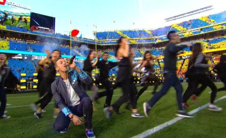 Chris Martin Halftime Photo