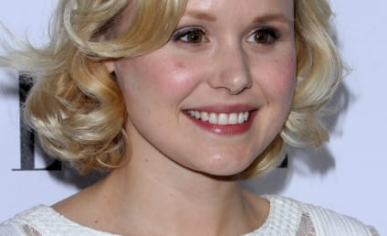 Alison Pill: Topless on Twitter!