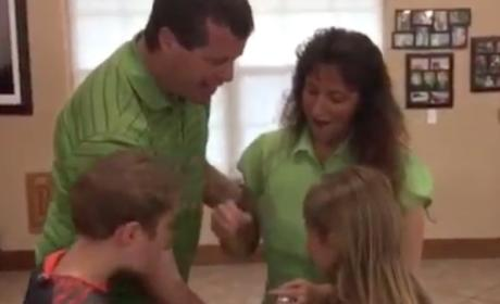 Jim Bob Duggar Presents Michelle with a Very Special Box