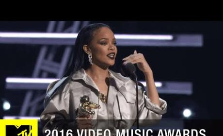 Rihanna Accepts Michael Jackson Vanguard Award at VMAs