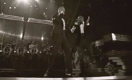 """Justin Timberlake Performs at Grammy Awards, Releases """"Mirrors"""""""