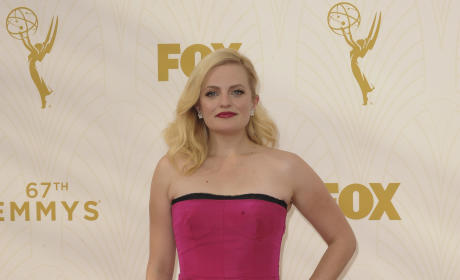 Elisabeth Moss at the 2015 Emmys