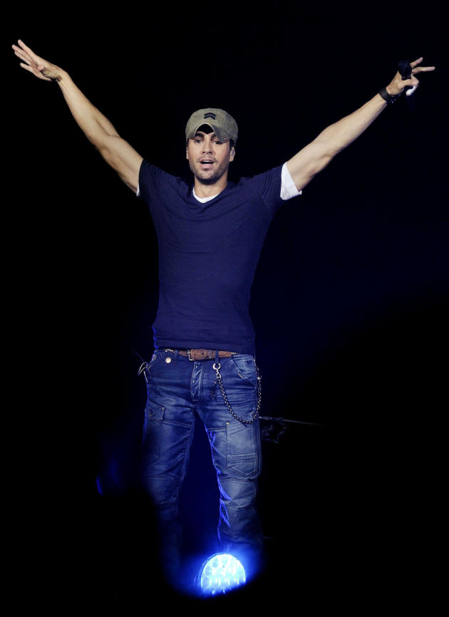 Enrique Iglesias on Stage