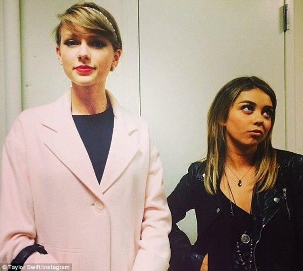 Taylor Swift and Sarah Hyland