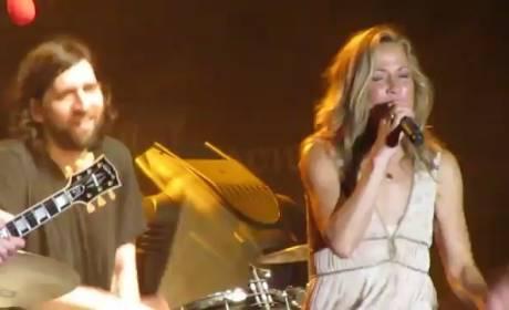 "Sheryl Crow - ""Soak Up The Sun"" (Live)"