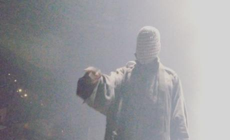 Kanye West Tosses Out Concert Heckler