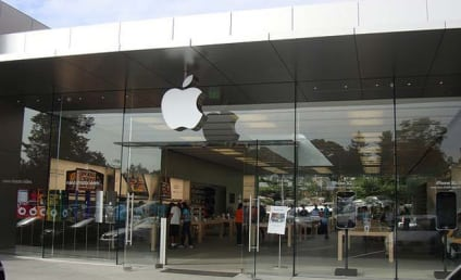 Woman Sues Apple After Plowing Into Glass Door at Store