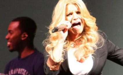 Jessica Simpson Grateful For Fan Support, Leather Pants