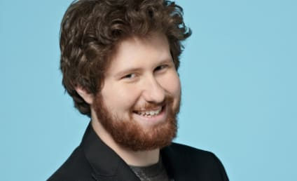 Casey Abrams to American Idol Fans: Vote For Haley Reinhart!