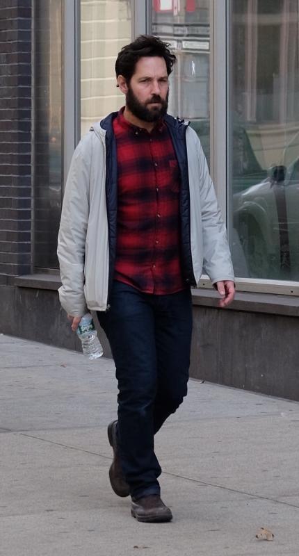 Paul rudd runs errands in soho