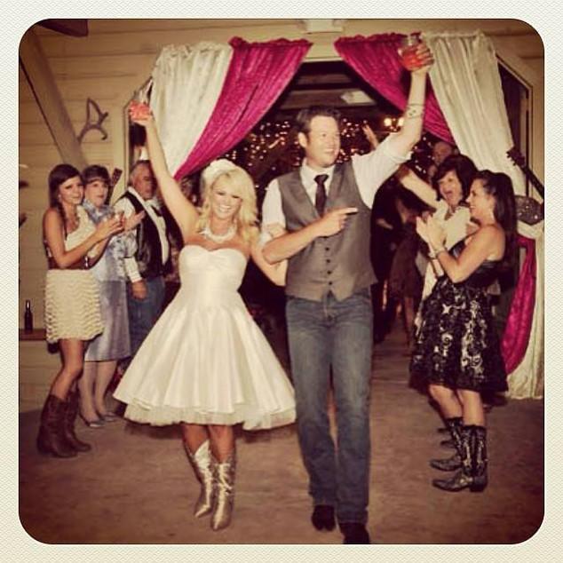 Miranda Lambert and Blake Shelton Wedding Pic