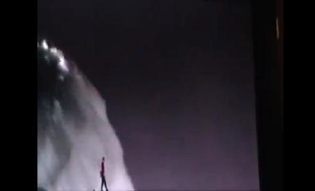 Nik Wallenda, Niagara Falls Tightrope Walker, Crosses 1,800-Foot Chasm Between U.S. & Canada