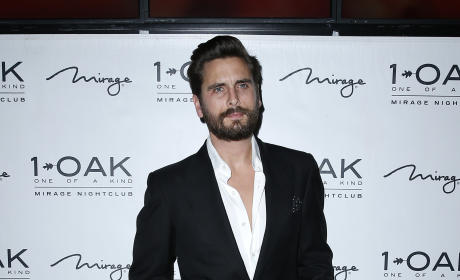 Scott Disick Hosts New Years Eve at 1 Oak