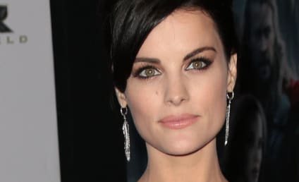 Jaimie Alexander STUNS on Thor Red Carpet, Wears Next to Nothing