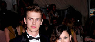 Rachel Bilson Feeds Hayden Christensen, Dating Rumors