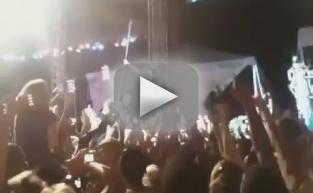 Akon Stage Dive