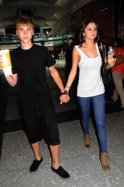 Justin Bieber & Selena Gomez in August 2011