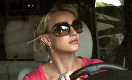 Britney Spears: Quoting Family Guy, Acting Weird