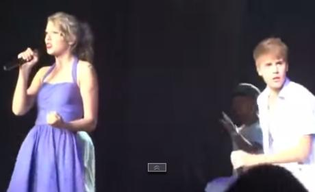 Justin Bieber and Taylor Swift Perform in 2011