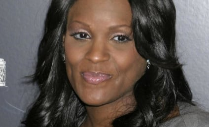 Tameka Foster and Usher Ignore Taunts, Eat