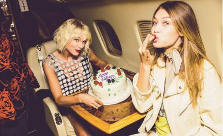 Gigi Hadid and Taylor Swift On a Private Plane