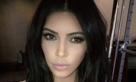 Kim Kardashian Online Selfie