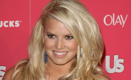 Even Her Mom Thinks Jessica Simpson's Singing Blows