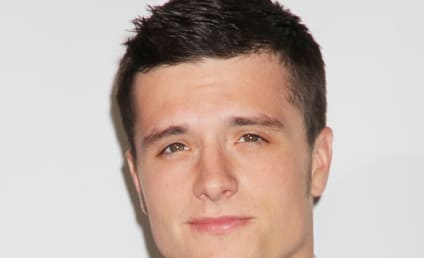 Ariana Grande: Dating Josh Hutcherson!