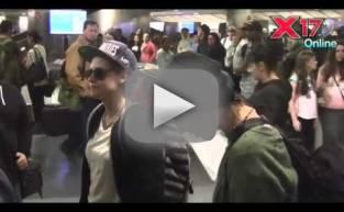 Kristen Stewart Screams at Autograph Seeker