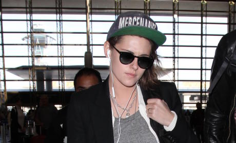 Kristen Stewart lands at LAX