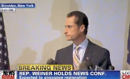 Anthony Weiner Resigns from Congress, Gets Heckled